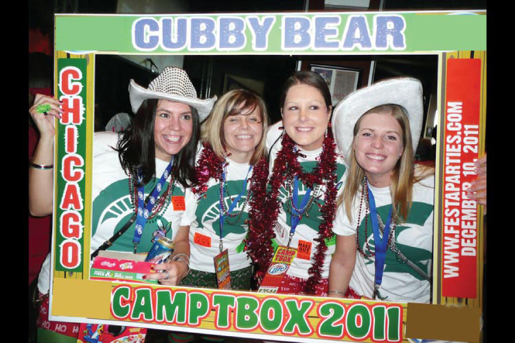 Having a Blast at the Chicago Bar Crawl - T-Box - Twelve Bars of Christmas in Wrigley